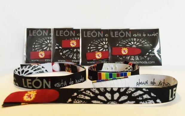 2 Pulseras León está de moda