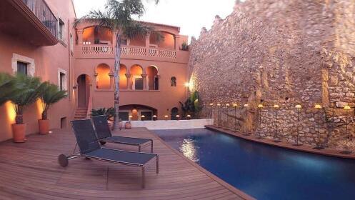 Costa Dorada: Hotel Monumento con posibilidad de Spa, Masaje  y Cenas