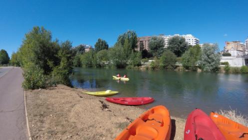 Alquiler kayak en el río Bernesga para 2 personas por 9 €
