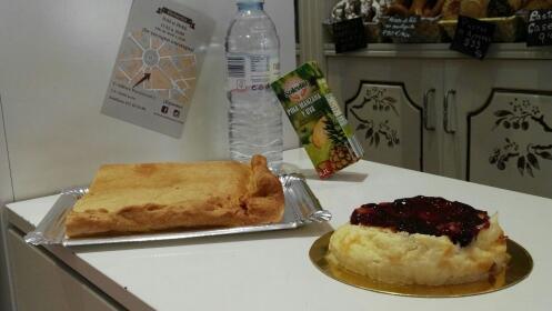 Ración de empanada (500g) + tarta + bebida para dos por 10,90 €