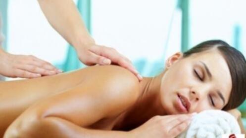 Peeling corporal + envoltura de chocolaterapia + hidratación con masaje por 19 €