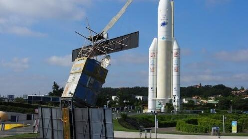 Visita la Ciudad del Espacio: Toulouse (Vuelos + Hotel)
