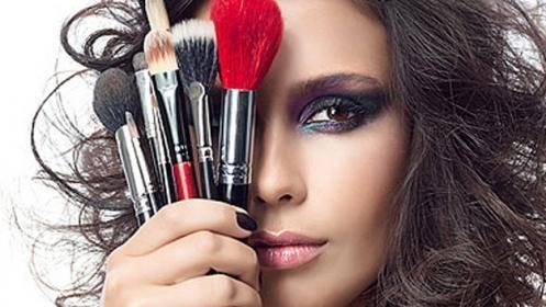 Curso de Maquillaje: Base y Contouring por 14€