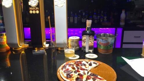 Menú con dos pizzas tradicionales por 19 €