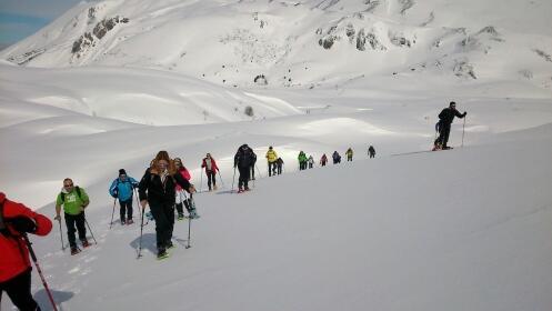 Ruta con Raquetas de nieve + Comida en el Restaurante EZEQUIEL por 38,50 €